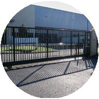 Fira-fermetures-industrielles-Portail-automatique